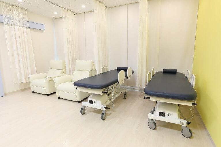 大腸カメラ(大腸内視鏡検査)後のリカバリールームや内視鏡検査用のお手洗いも完備